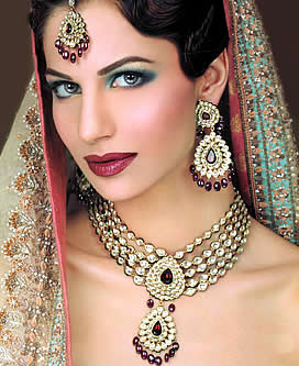Pakistani fashion of kundan jewellery