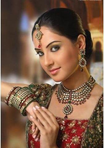 latest kundan jewellery trend in pakistan