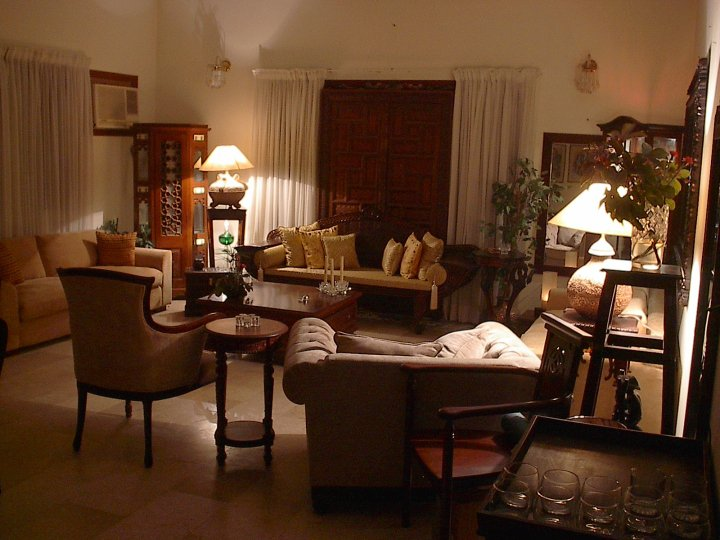 Drawing room set by samina khan 008 for Room decoration ideas in pakistan