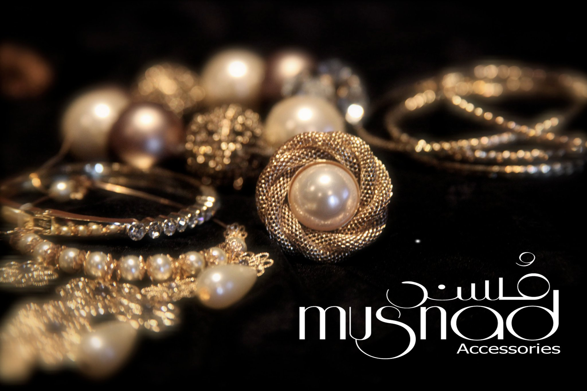 Latest Jewellery and Dresses for Women at Musnad