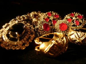 Jewellery at gems and jewels by Fatima Tahir 0101 300x225