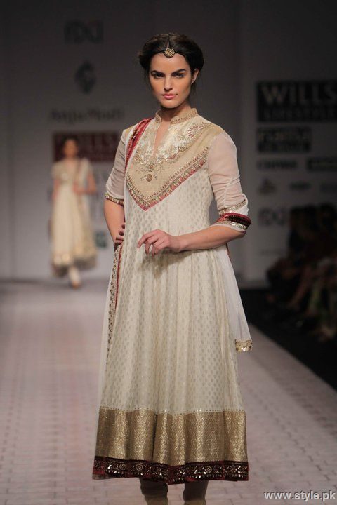 White Chri Daar With Frock 876