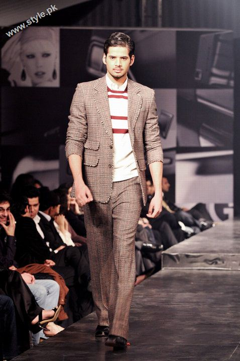 Ammar belal collection in pakistan fashion week 2390