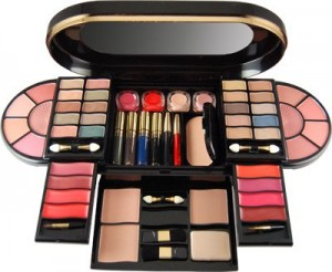 Revlon Makeup revolution 2011 8style.pk  300x246 heath and beauty tips