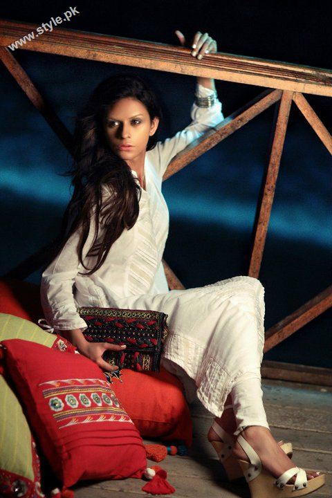 beautiful white khaadi dress 2389