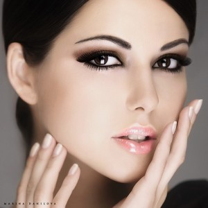 beauty brunette face fashion girl glamour Favim.com 39553 300x300