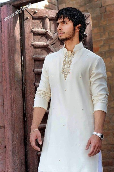 embroidered kurta for men 902