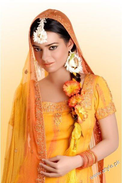 Latest Bridal Fashion of Wearing Paranda style.pk 004 bridal dresses accessories