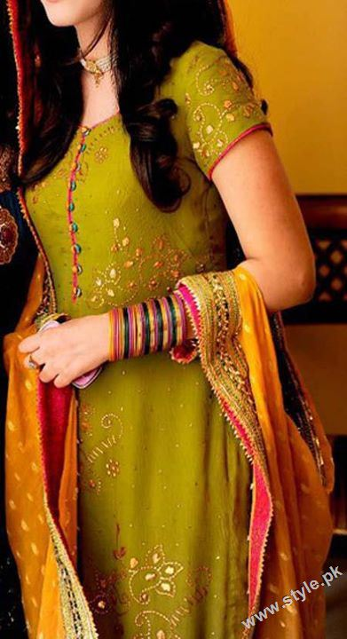 Latest Bridal Mehndi Dresses For Brides 2011 www.style .pk 0013 wedding wear stylish dresses