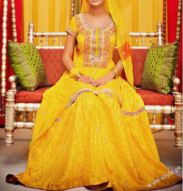 Latest Mehandi Dresses For Bridals 2011 www.style.pk 0010