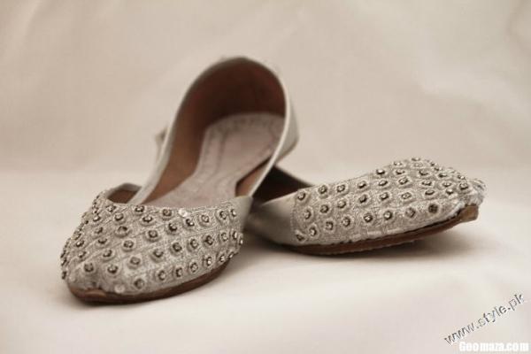 Latest Khussa Designs For Girls 2011