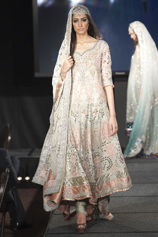 Maria B Dresses at Pakistan Fashion Extravaganza London 2011 style.pk 009 shows designer maria b
