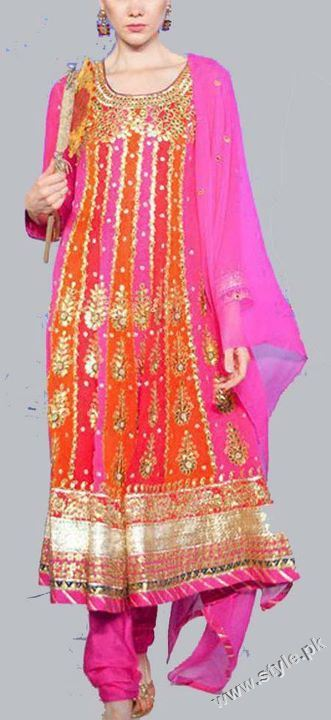 Bridal Mehndi Dresses For Bridals 2011 Collection (2)