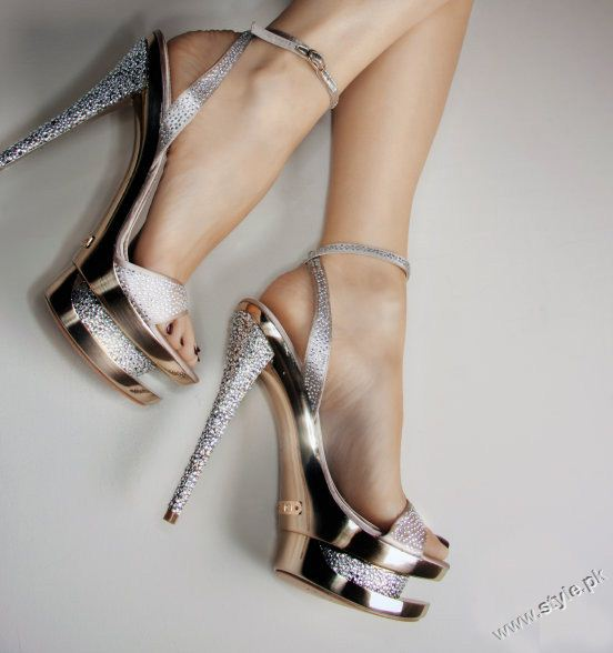 Stunning Strappy Heels Sandal for Girls 2011 2012 style.pk 005