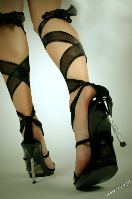 Stunning Strappy Heels Sandal for Girls 2011 2012 style.pk 010