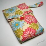 Stylish mobile pouches for girls 2011