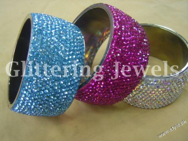 Jewellery and Bangles For Women by Glittering Jewels (3)