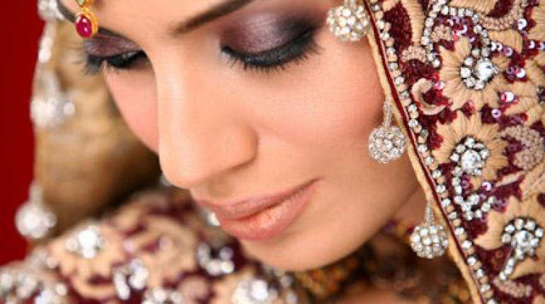 bridal makeup and event photography by Guddu Shani (12)