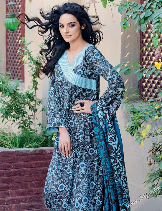 Gul Ahmed Winter Collection 2011-12 For Women (1)