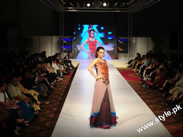Last Day of Karachi Fashion Week 2011 style.pk 007 karachi fashion week