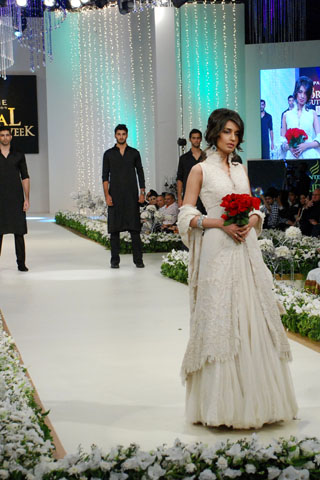 Mehdi_Bridal_wear_Collection_2011_4