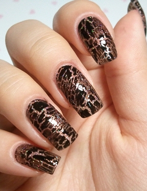 Chic Look Nail Art Ideas for Winter Holidays 2011_05