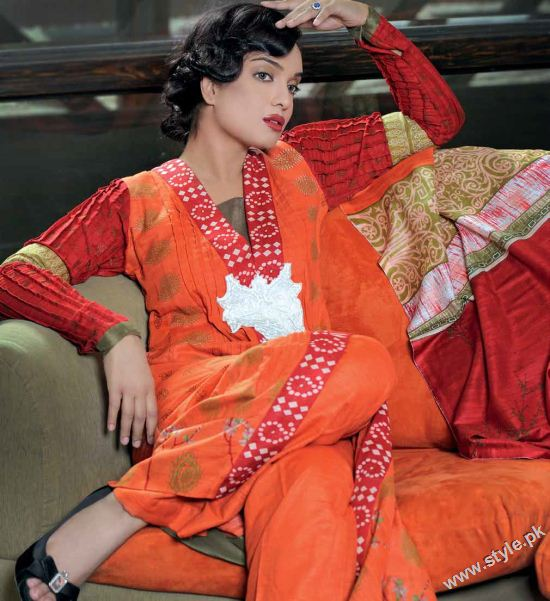 Amna Haq Photo Shoot For Gul Ahmed Winter Collection 2011-12 (5)