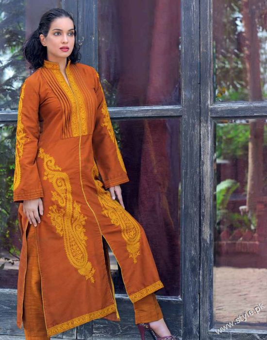 Amna Haq Photo Shoot For Gul Ahmed Winter Collection 2011-12 (4)