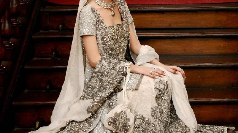 Elegant Bridal dresses by Sana Safinaz Bridal Couture