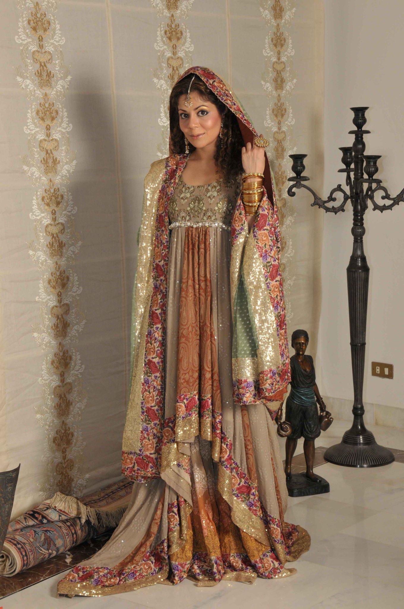 Mehndi Dresses By Sana Safinaz