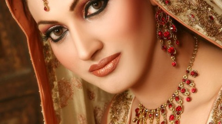 makeup and photography by jugnu wasim (10)