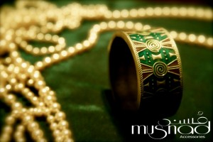 Girl's antique jewellery by Musnad (1)
