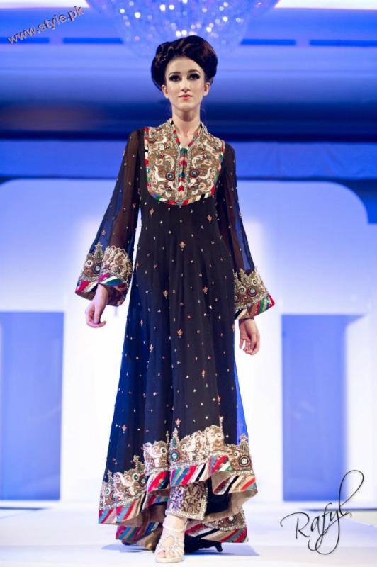 Latest Collection By Gul Style At International Asian Fashion Awards 2011 006 pakistani dresses fashion shows