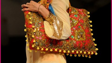 Latest Fashion Handbags Collection by Deepak Perwani 01