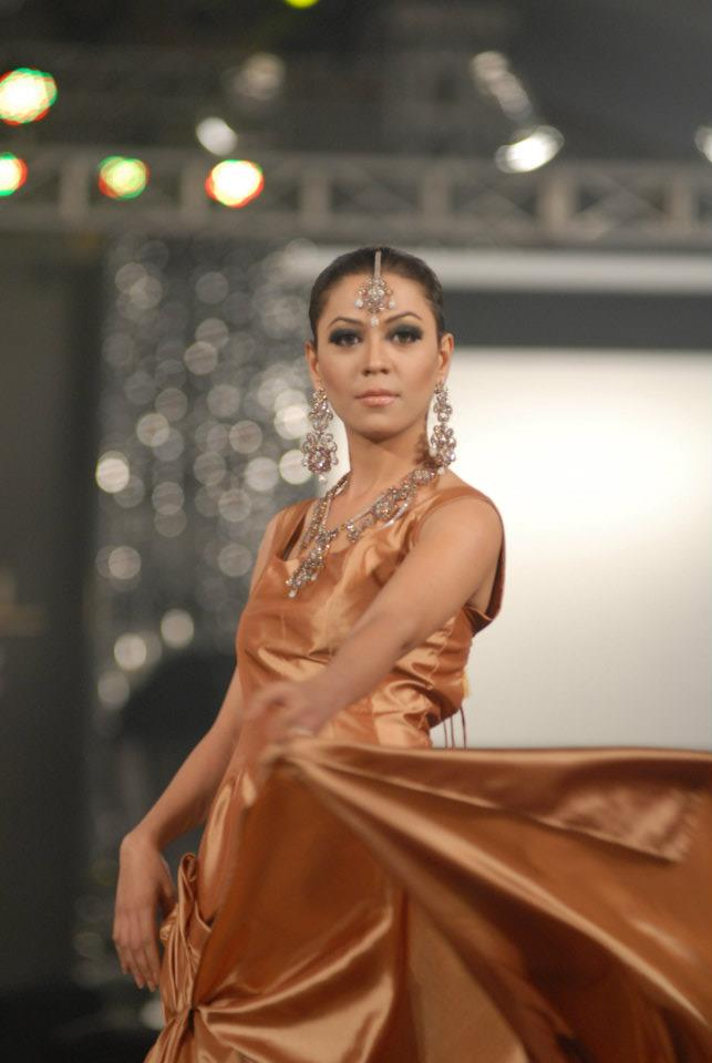 Damas Jewellery in PFDC LOreal Paris Bridal Week f