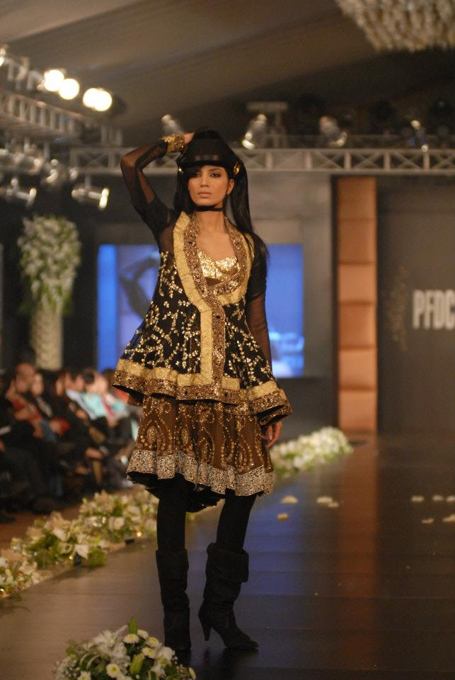 094f68c4d2 HSY Bridal Collection in PFDC L'Oreal Paris Bridal Week