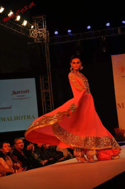Latest New Arrivals For Wedding Wear 2012 By Manish Malhotra 005 new fashion bridal dresses