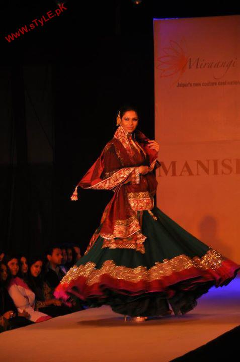 Latest New Arrivals For Wedding Wear 2012 By Manish Malhotra 006 new fashion bridal dresses