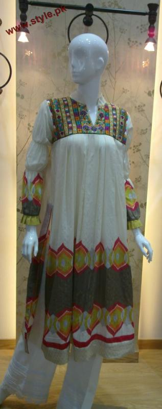 Latest New Winter Dresses By Bonanza Garments 2012 001 pakistani dresses fashion brands