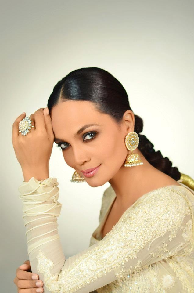 Nabila makeup shoot for models and brides 2012 for Nina g salon lahore