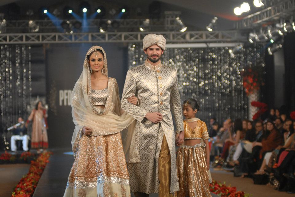 Nida Azwer Collection in PFDC LOreal Paris Bridal Week e wedding wear