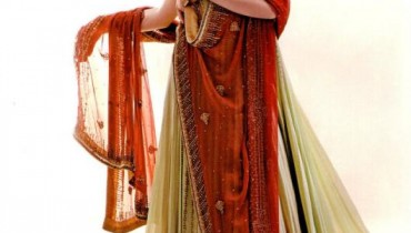 Latest Bridal Lehanga By Hina Khan Collection 2012-004