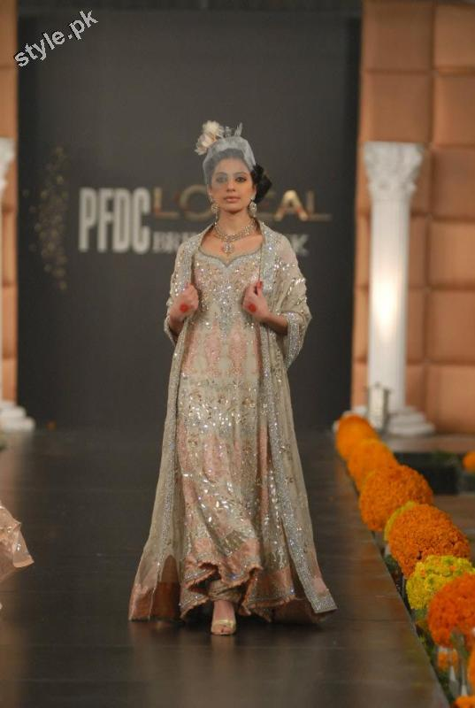 Latest fashion Walima dresses 2012 in Pakistan 19 bridal dresses