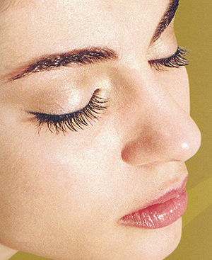 Five Natural WaysTo Take Care Of Your Eyes