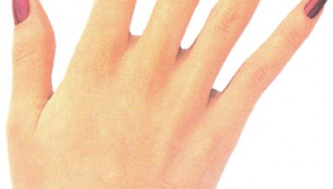 Tips for Strong,shiny Nails
