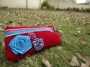 Beautiful Knitted Mobile Pouches for Girls by Glovvies 01 300x225 stylish accessories local accessories for girls