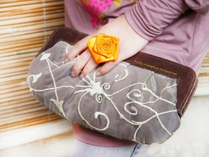Latest festive clutches for girls by pretty pumpkin accessories (6)