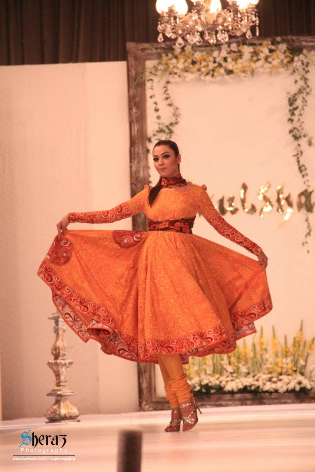 Paulsha Lawn 2012 by Naureen Faiza Fashion Show 11