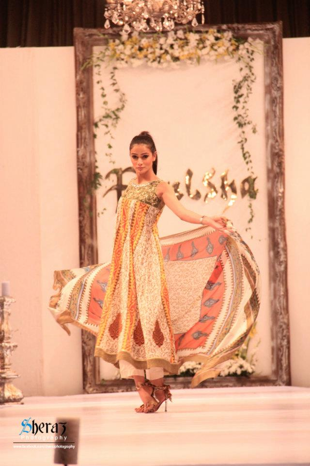 Paulsha Lawn 2012 by Naureen Faiza Fashion Show 2