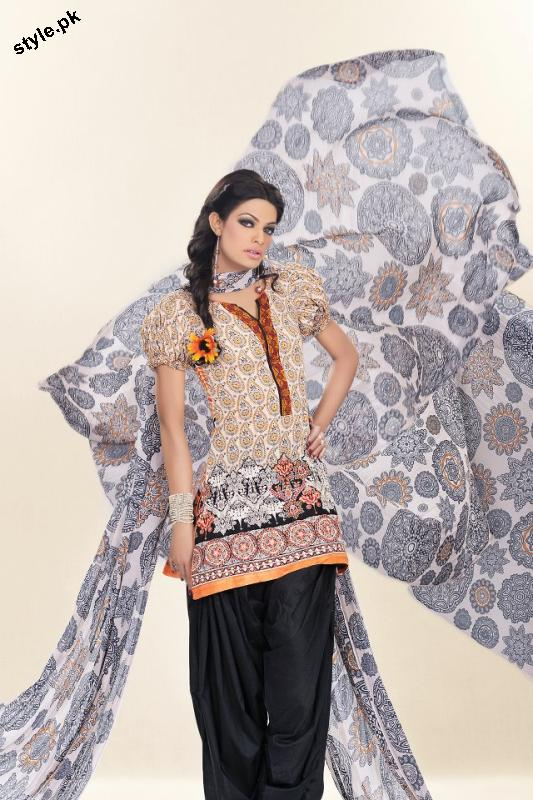 Sadia Designer Lawn Collection 2012 For Summer 5 designer dresses